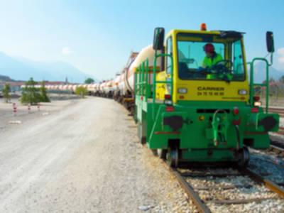 Locotracteur rail-route sur pneus
