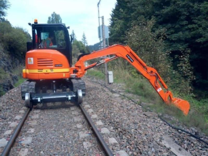 Mini-pelle rail-route